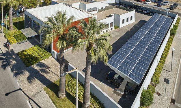 Vilamoura usa baterias usadas de carros eléctricos para armazenar energia