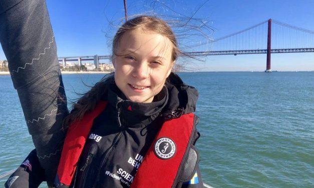 """Depois de atravessar o Atlântico, Greta Thunberg vai à COP25 """"continuar a luta"""""""