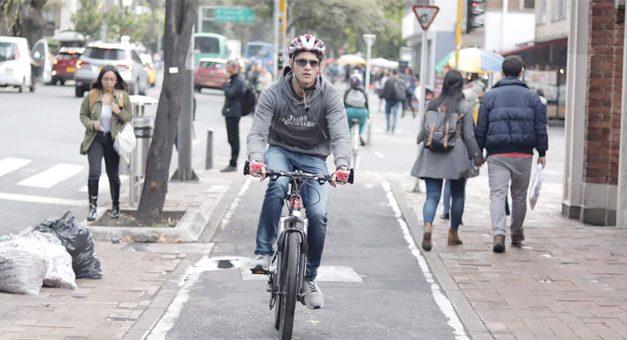 Bogotá responde à pandemia com 76 km de ciclovias temporárias para reduzir aglomerações nos transportes públicos