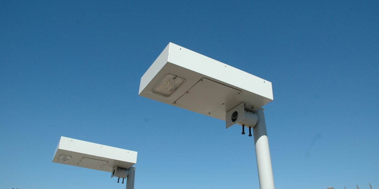 Inovação tecnológica e responsabilidade social nacionais unidas para levar iluminação onde a electricidade não chega