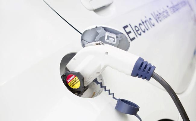 Uber vai aceitar apenas veículos elétricos na plataforma a partir de 16 de julho