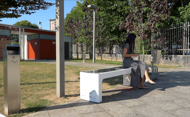 Águeda aposta em mobiliário urbano inteligente e tem já o primeiro banco que carrega dispositivos móveis