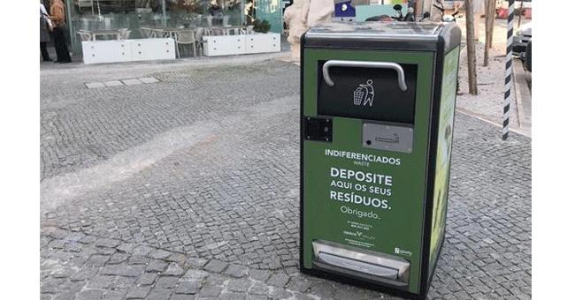 Oeiras reforça higiene urbana com papeleiras inteligentes