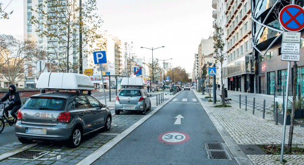 650 Lugares de estacionamento para cargas e descargas em Lisboa vão ser monitorizados em tempo real